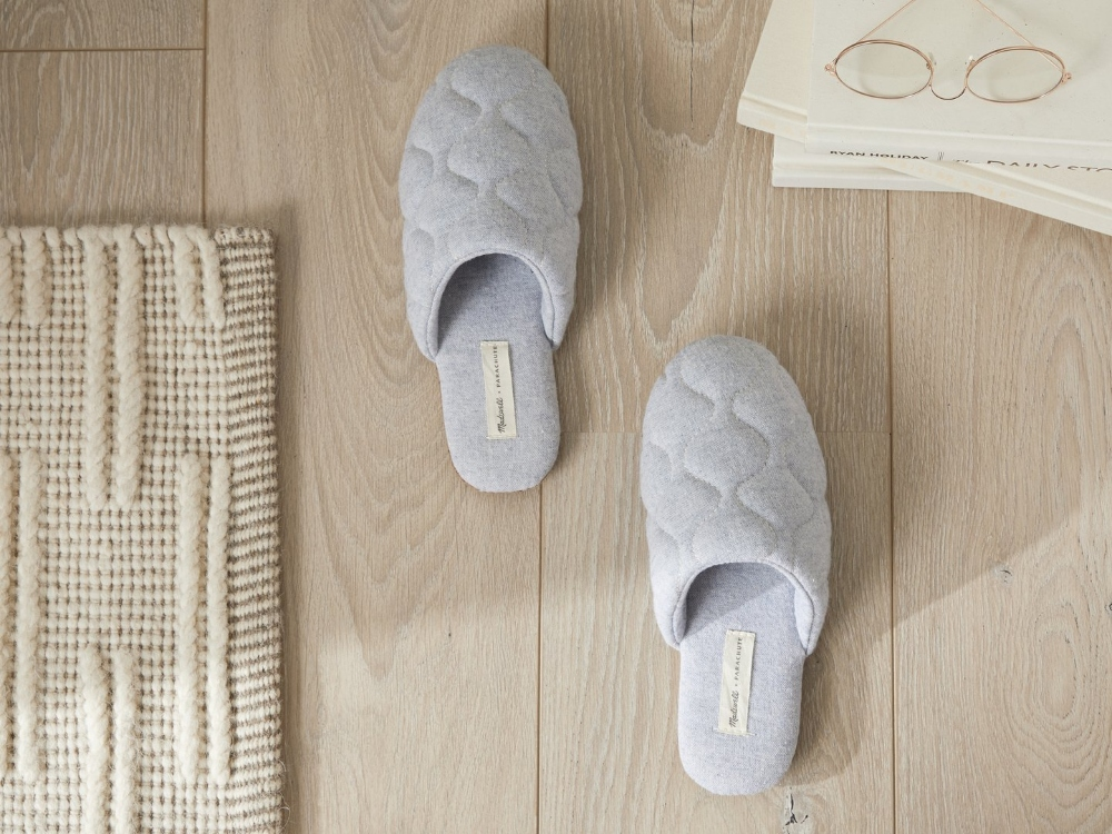 Chambray Quilted Slippers Default Studio 18475 1440x