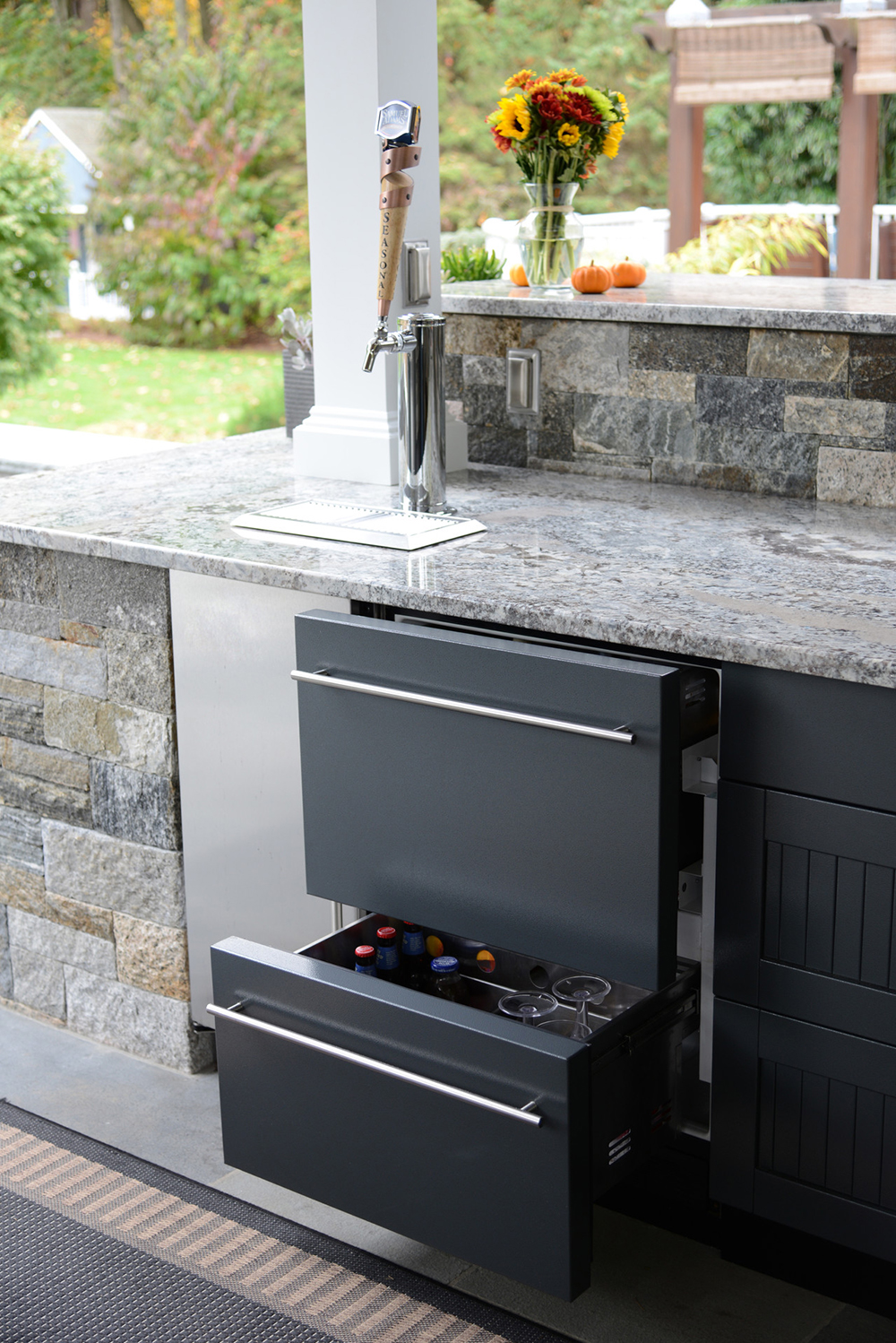 Beverages 2, Headline, Elevate Your Outdoor Kitchen To True Luxury Status, Artisan Outdoor Kitchens, Colorado Homes And Lifestyles