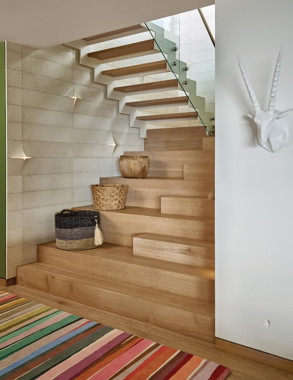 Webb Beck Arnold Avon 09 26 19 Lower Level Stair 130mb