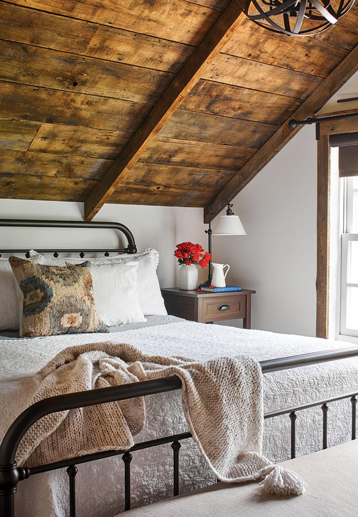 Chl Castle Rock Barn 07 29 19 Bedroom 146mb