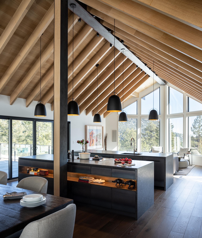 2 Mountain Modern Cabin