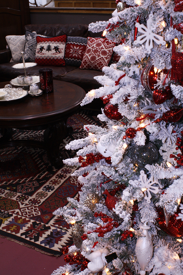 How To Decorate A Christmas Tree Like A Pro Colorado Homes Lifestyles